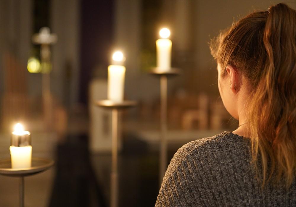 Hörend beten · Betend hören | Abendlob im Dom